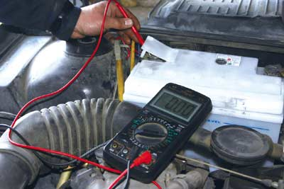 电压降的测量时,须把万用表的电压挡设定在低量程